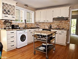 Beautiful 4 acres minutes to Downtown Barrie - Innisfil vacation rentals