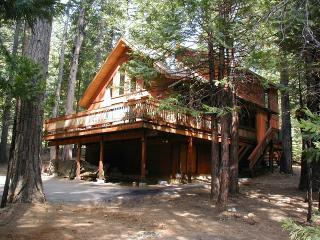 Beautiful Sierra Chalet  -by Arnold in Big Trees - Arnold vacation rentals