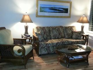 Kona Bobs Oceanfront Luxury at an Affordable Price - Kailua-Kona vacation rentals