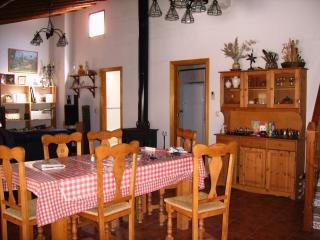 Casa con encanto en La Vera (Cáceres) - Guijo de Santa Bárbara vacation rentals