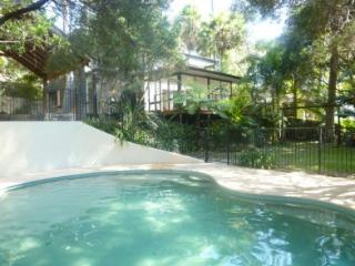 Tropical Sanctuary in Sydney's beautiful Northern Beaches - Berowra Waters vacation rentals