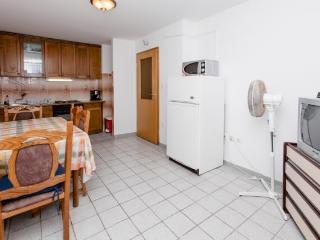Apartments Šima - 32091-A2 - Vinisce vacation rentals