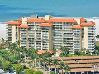 Beachfront condo in the beautiful Tradewinds - Marco Island vacation rentals