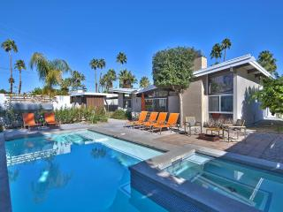 Deepwell Midcentury Butterfly - Palm Springs vacation rentals