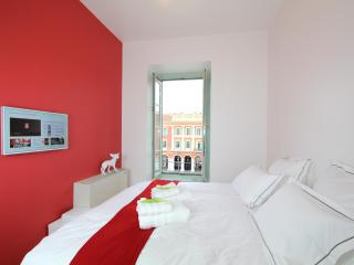 Beautiful 1 Bedroom Design Loft in the Center, Nice - Nice vacation rentals