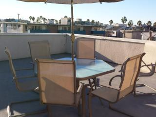 Great Venice Roof Deck Apt - Marina del Rey vacation rentals