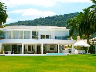 Mansão de luxo - Condomínio Costa Verde Tabatinga - Ubatuba vacation rentals