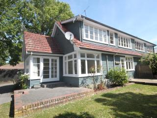 Strowan Lodge - Christchurch Holiday Homes - Canterbury vacation rentals