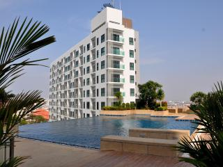 Appartement The Axis with 2 bedrooms - Ko Lan vacation rentals