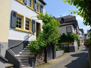 LLAG Luxury Vacation Home in Ediger - historic, spacious, sauna (# 4686) - Senheim vacation rentals
