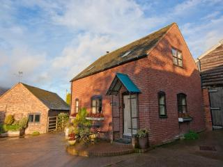 Farmyard family cottage - Coalbrookdale vacation rentals