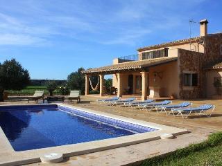 Spacious and comfortable villa - Campos vacation rentals