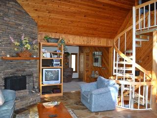 ~~LOOK~LAkEFRoNt Home with Sauna & Hot Tub! - Garfield vacation rentals