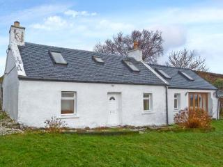 SOLAS, detached stone cottage, multi-fuel stove, games table, lawned garden, in Camuscross, near Broadford, Ref 25777 - Dornie vacation rentals