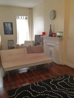 Beautiful Bed- Stuy Apartment!!! - Deposit vacation rentals