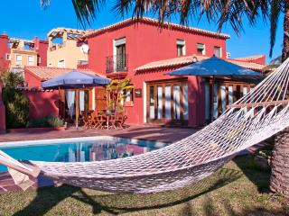 Villa mediterranea a 50m del mar. - Denia vacation rentals