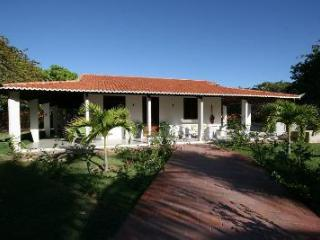 Luxury Hidewaway in secluded tropical gardens, - Canoa Quebrada vacation rentals