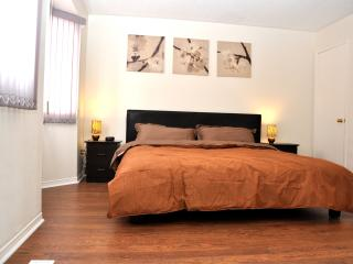 3 bedrooms townhouse- the most convinient location - Richmond Hill vacation rentals