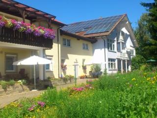 LLAG Luxury Vacation Apartment in Kapellen-Drusweiler - 431 sqft, tranquil, comfortable, friendly (#… - Kapellen-Drusweiler vacation rentals