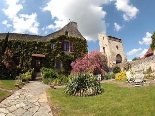 La Maison du Prince de Condé (Chambres d'hôtes) - Charroux vacation rentals