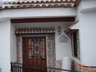 EXPECTACULAR VIVIENDA CASA CUEVA - Zujar vacation rentals