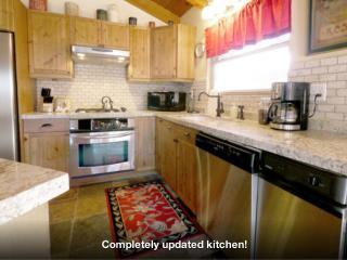 Upgraded Peaceful Pines Lodge w Hot Tub, Steam Sho - Big Bear Lake vacation rentals