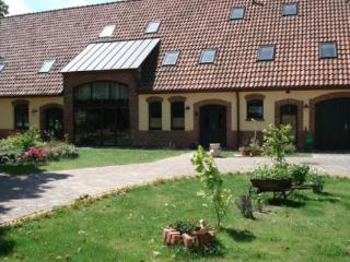 LLAG Luxury Vacation Apartment in Garz (Rügen) - 1076 sqft, cozy, harmonious, friendly (# 4705) - Mecklenburg-West Pomerania vacation rentals