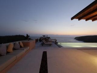 Careyes Cliffside Villa - Casa La Ceiba - Careyes vacation rentals