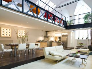 Fabulous Loft in the Montorgueil with 4 Bedrooms - Paris vacation rentals