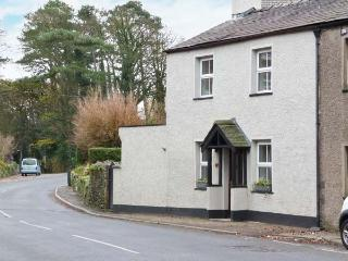 MULBERRY COTTAGE, woodburning stove, inglenook fireplace, pet friendly, in Cark, Ref. 27956 - Cark vacation rentals