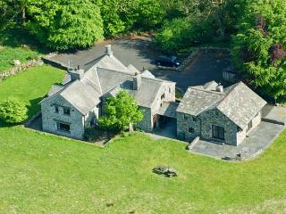 DEERHOLM, woodburners, WIFI, walks from the doorstep, fantastic family cottage, Ref. 31070 - Hawkshead vacation rentals