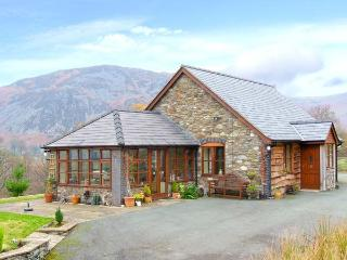 PENGWERN COTTAGE, en-suite, WiFi, fantastic hillside location with beautiful views, Ref. 903598 - Newtown vacation rentals