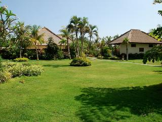 Villa Taman Indah - Luxury Beachfront Villa - Dencarik vacation rentals
