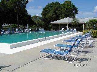 Artsy Sarasota, FL--Enjoy sunsets in 2/2 Condo - Sarasota vacation rentals