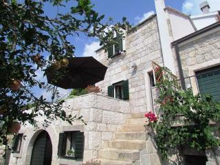 DALMATIAN STONE SUMMER HOUSE, VILA POSTUP, TUČEPI - Tucepi vacation rentals