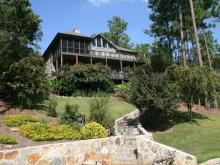 5 BR 4Ba House on Beautuful (crystal clear water) Lake Martin, Alabama - Alexander City vacation rentals