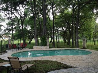 BEAUTIFUL 3 BEDROOM HOME, PRIVATE SALT WATER HEATE - Austin vacation rentals