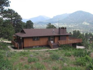 Breathtaking Views, Huge Deck, Private, Fireplace - Estes Park vacation rentals