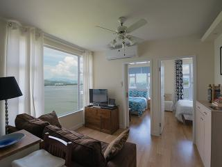 3 Bedroom Gem over Hideaway Beach, Hong Kong - Hong Kong vacation rentals