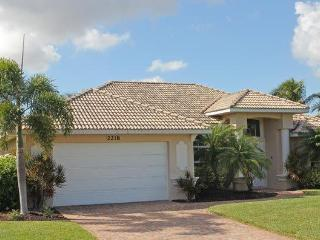 STUNNING VILLA WITH GULF ACCESS, POOL AREA WITH JACUZZI, SEA RAY SPORT BOAT - Cape Coral vacation rentals