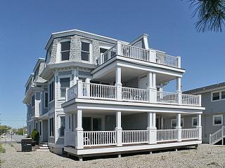 3083 Avalon Avenue - Avalon vacation rentals