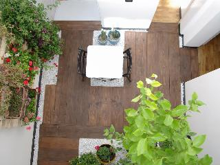 F12|FK Cosy design flat with winter garden - Catania vacation rentals