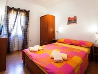 Apartments Ivan - 44181-A2 - Island Vis vacation rentals