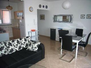 Apartment Iva - 76361-A1 - Liznjan vacation rentals