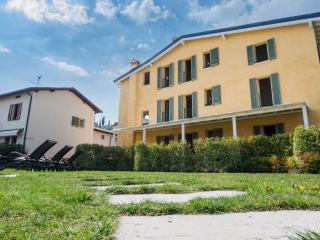 Adrianus A1 - 3480 - Polpenazze - Brescia vacation rentals