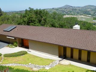 Super Cool Mad Men Hideaway with Pool Table, Magni - Fallbrook vacation rentals