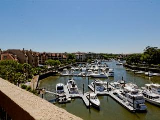 3BR/3BA Penthouse w/Fabulous Views of Shelter Cove and Beautiful Furnishings - Palmetto Dunes vacation rentals