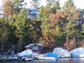 Fisherman's Rest on the Water in Sidney - Cowichan Bay vacation rentals