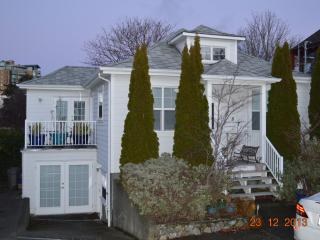 4 bedroom West Bay Home - Victoria vacation rentals