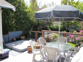 Beaches Executive Home - 1 week min only - Victoria vacation rentals